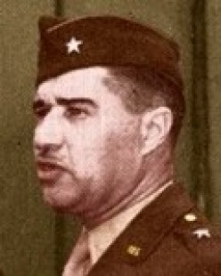 Major General Alan Jones, Sr., CO of the 106th ID