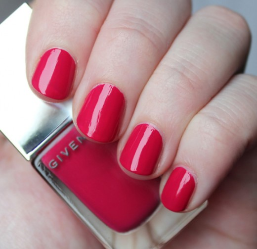 Givenchy Le Vernis in Fuchsia Irrésistible