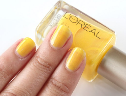 L'Oréal Paris Nail Color in Tweet Me