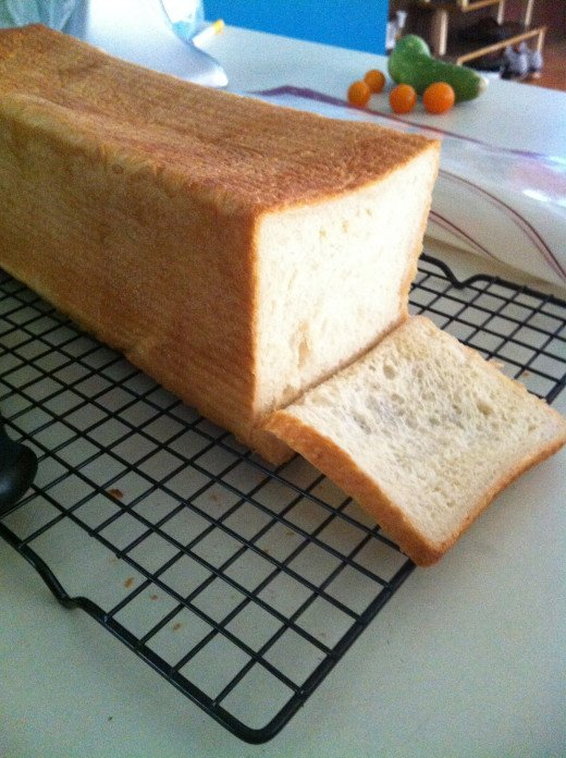 Look at that moist, tender crumb! Pain de mie!!!