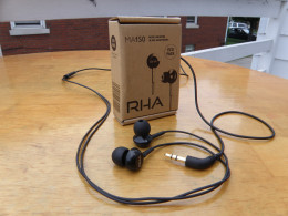RHA MA150 and recyclable packaging