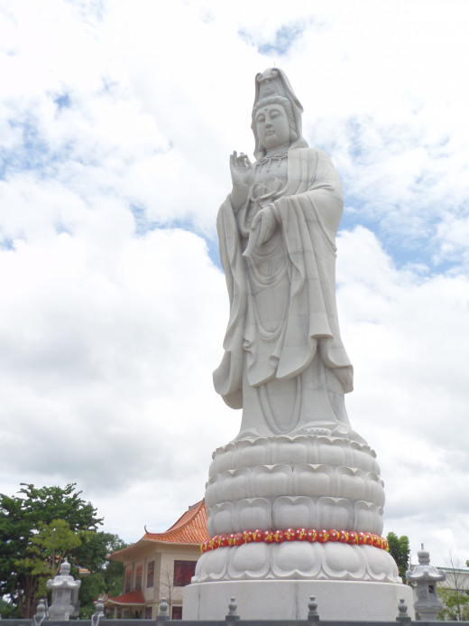Buddha statue at Kuang Im Chinese Temple