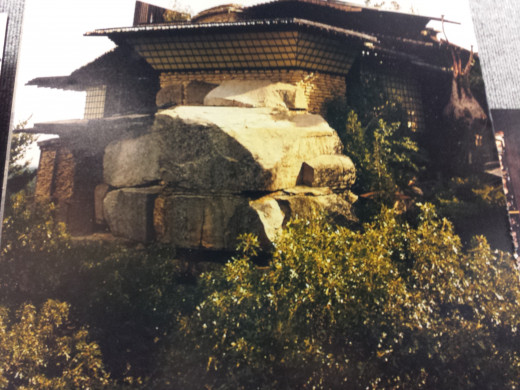 This is an older photo of the house, photo displayed inside the museum. Today, the trees have grown very big, the house can only bee seen from certain spots.