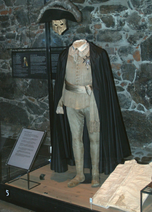Photograph of the costume Gustav III wore to the masked ball