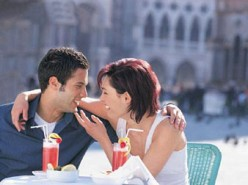 How to Read Body Language on a First Date