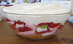 How to Make an Alternative Trifle - An Illustrated, Quick and Easy Alternative to Traditional Trifle, With Marshmallow