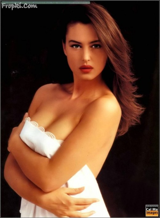 Monica Bellucci nude gallery