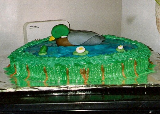 I made this mallard cake for my step-mother.  She's a fan of ducks!