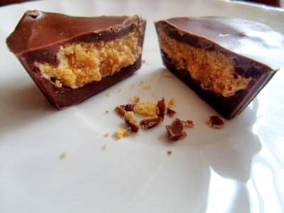 Here we have delicious homemade peanut butter cups. These are so delicious and I wouldn't be scared to bet you that you can't eat just one.