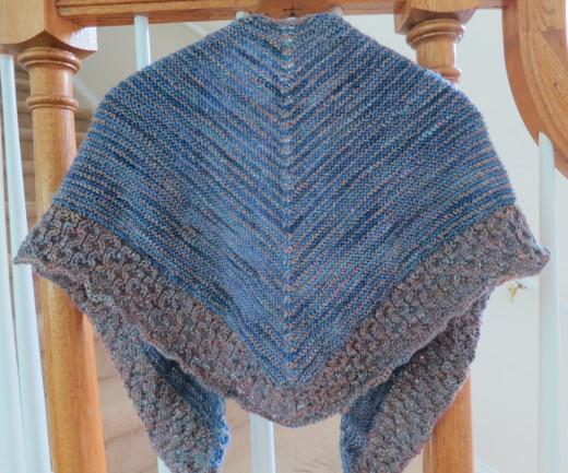 Knitting Patterns For Lightweight Shawls : Free Knitting Pattern: Lightweight Textured Shawl