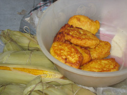 Barranquilla maize buñuelos (sweet corn fritters)
