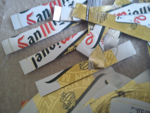 Strips of decoupage paper.