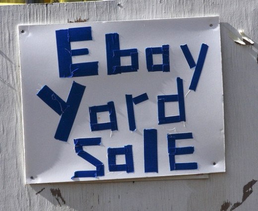 """Ebay Yard Sale"" advertisement as opposed to ""Garage Sale"" sign."