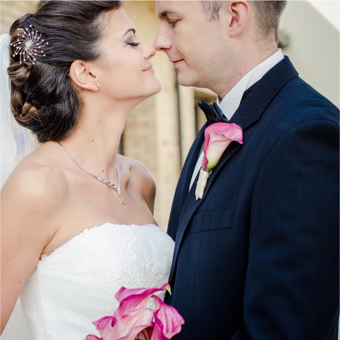 Shabby chic weddings are so romantic!