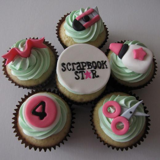 Scrapbooking cupcakes!