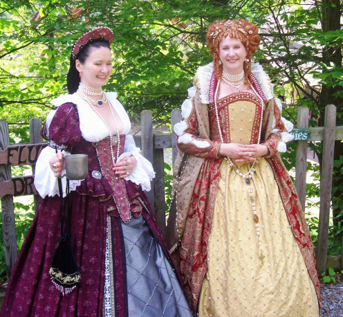 Be sure to say hello to Her Majesty, the royal Queen Elizabeth (Maria Wechsler, right) who wanders the grounds at the Sterling Renaissance Festival.  And don't worry.  If you do forget to bow, she is quite beneficent.