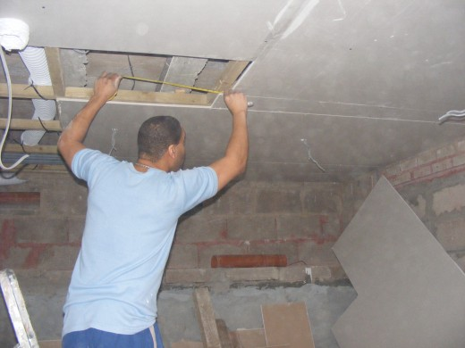 How to Plaster a Ceiling.