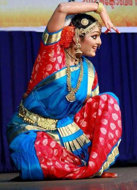 dance performance by manu