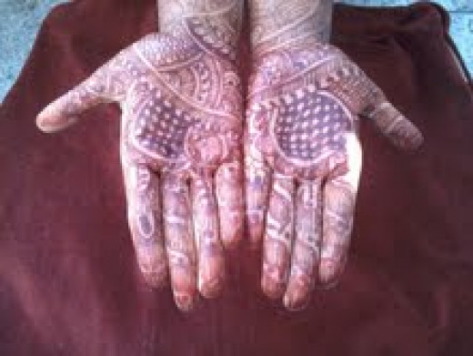 Mehandi design after 3 to 4 hours
