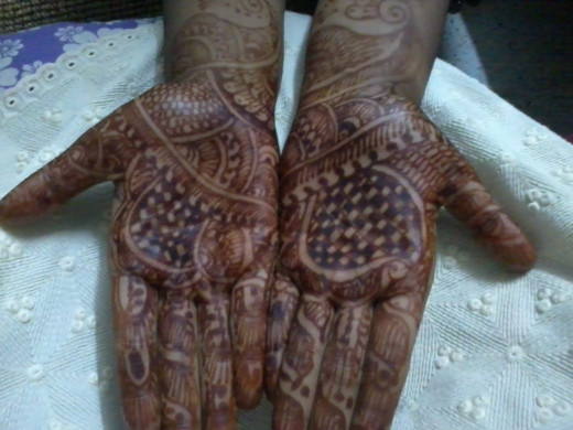 After 3 to 4 hours of application of Mehandi