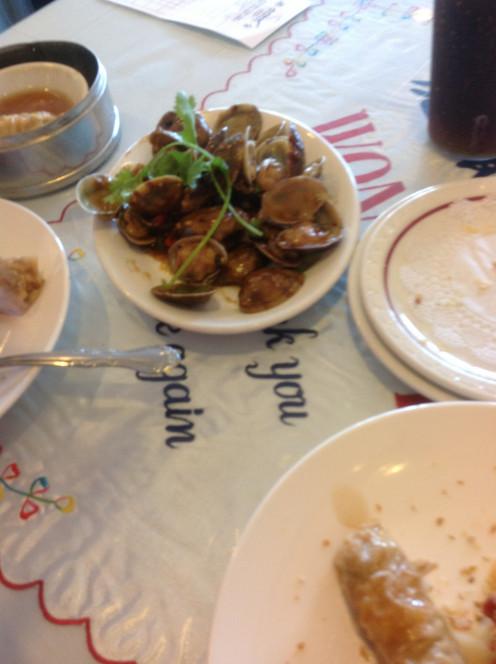 Garlicky Steamed Clams