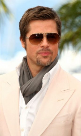 Brad Pitt in a lightweight scarf