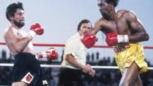 Tommy Hearns destroys Roberto Duran in two brutal and one sided rounds. It was the biggest victory of The Hitman's career.