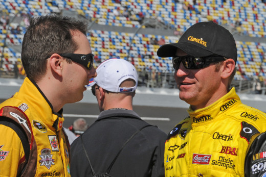 Kyle Busch and Clint Bowyer go back to back at #3 and #4