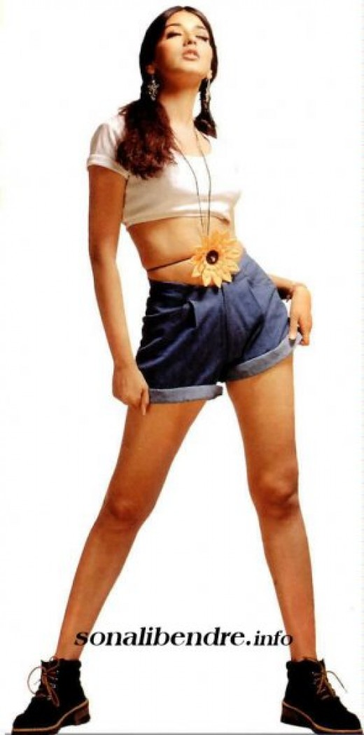 sonali bendre hot and sizzling pictures