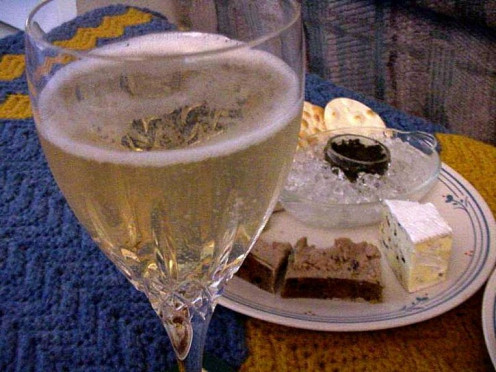 Champagne, like other wines, can be an excellent complement to a dish, dessert or meal