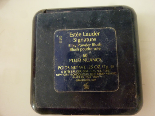 Estee Lauder Signature Silky Powder Blush in Plum Nuance