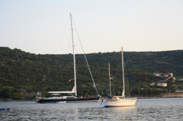 Motorboats, Yachts, come to visit Vinisce, Croatia