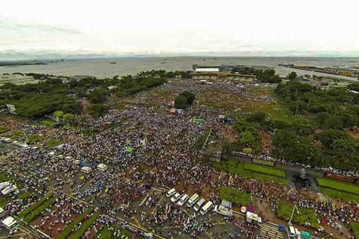The million people rally in Manila to oppose the pork barrel fund endorsed to politicians but has been misused