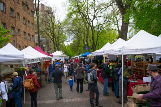 Vendors line the Park Blocks for the farmers market at PSU