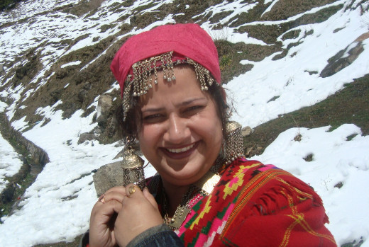 I clicked her @ Kalatop: She is wearing the traditional Himachal costume.  Photo: Jaspal