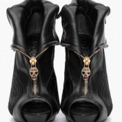 Theseshoes profile image
