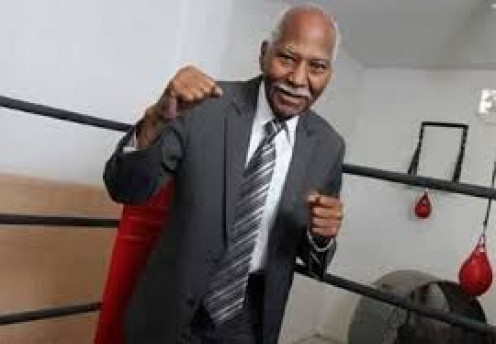 Boxing great Jose Napoles can't stay out of the squared circle even in his older years.