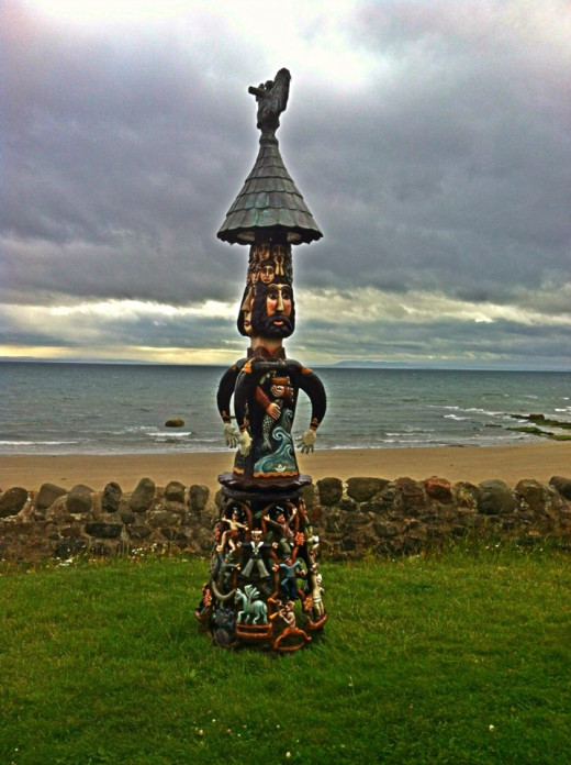 Totem Pole, which was created by local artist, Alan Faulds, called Malagan
