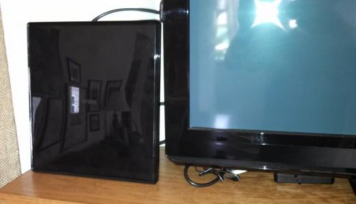 Indoor HDTV antenna- get free HDTV!