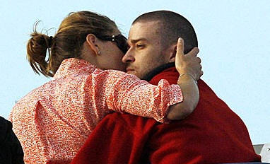 Justin Timberlake kissing jessica