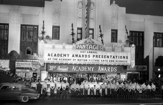 Crowd in front of the theater for the 31st Academy Awards.
