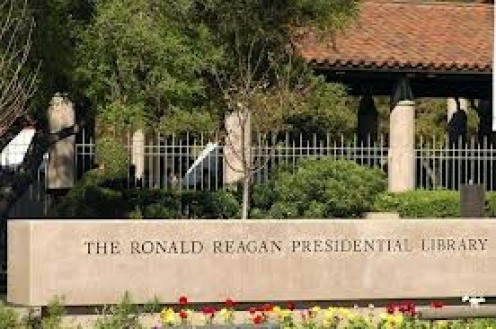 The Ronal Reagan Presidential Library has thousands of books as well as memorabilia and other items from Ronald Reagan's life.