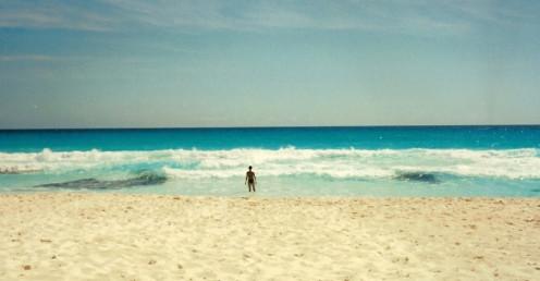 """Beach """"power"""" varies per location. (Cancun)"""