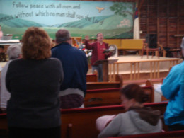 Jim Swanson leads the old-fashioned hymn-sing