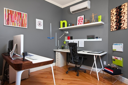 Clear your desk from unnecessary clutter