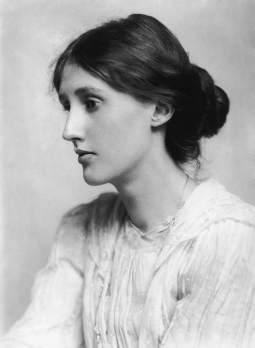 Photograph of a 20 year old Virginia Woolf
