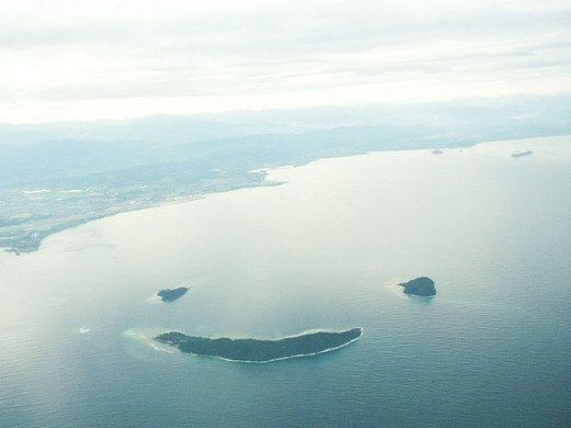 Aerial view of Manukan, Mamutik and Sulug Islands of the Tunku Abdul Rahman National Park, Sabah