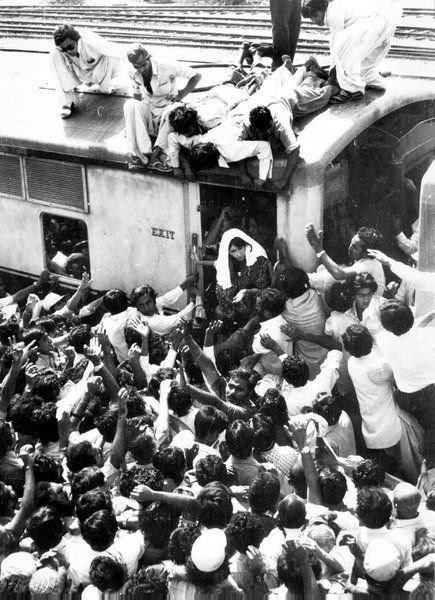 Bhutto was incredibly popular with the Pakistani people and drew large crowds everywhere she went.