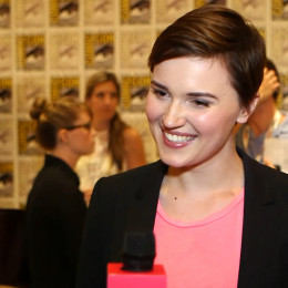 In an interview, Veronica Roth says she is happy with Shailene Woodey cast as Tris.
