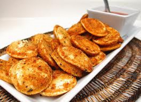 Toasted Ravioli can be made with cheese, meat and sauce.